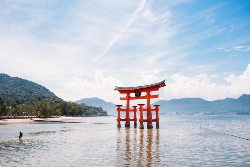 厳島神社の赤い鳥居