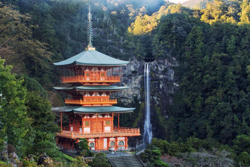熊野那智大社の三重塔