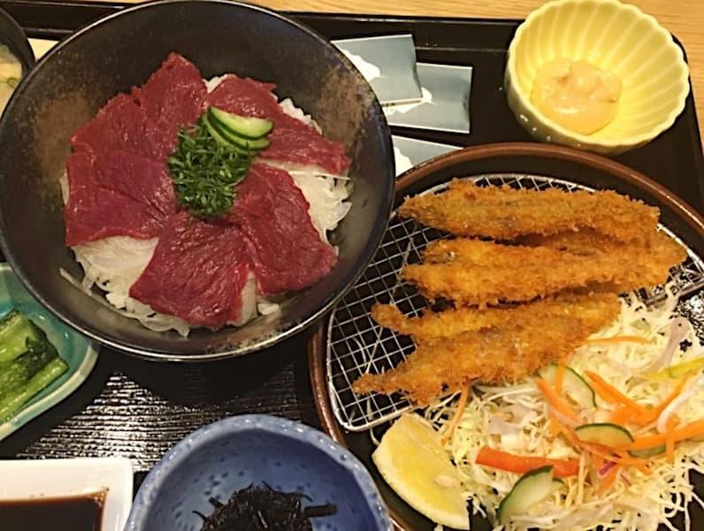 姫丼とわかさぎのフライ