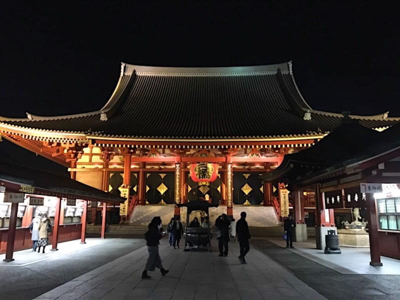 浅草寺の本堂