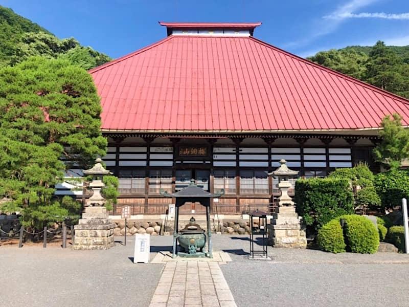 岩松院の本堂