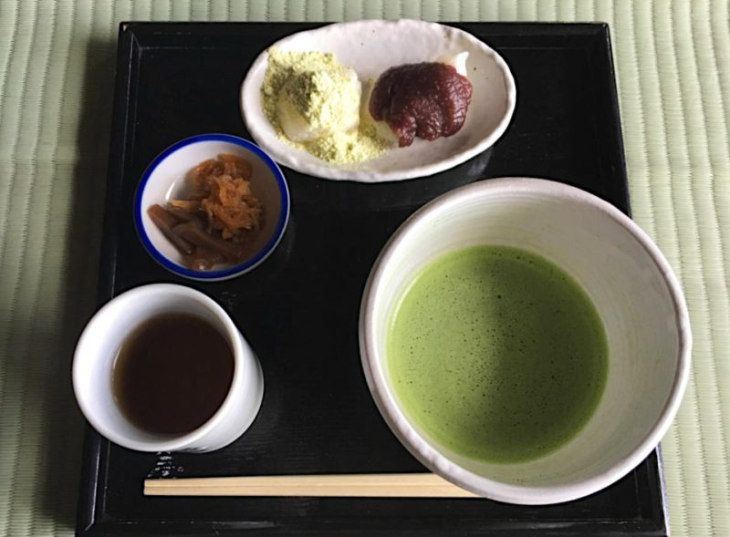 羽黒山の茶店の力餅と抹茶
