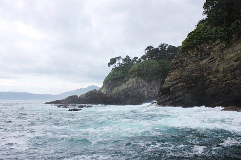 浄土ヶ浜で遊覧船から見た景色