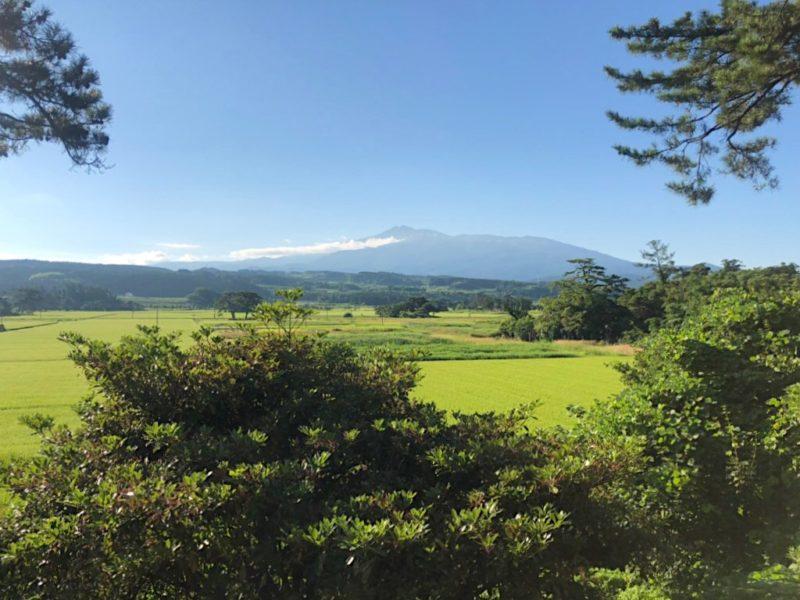 象潟から見える鳥海山
