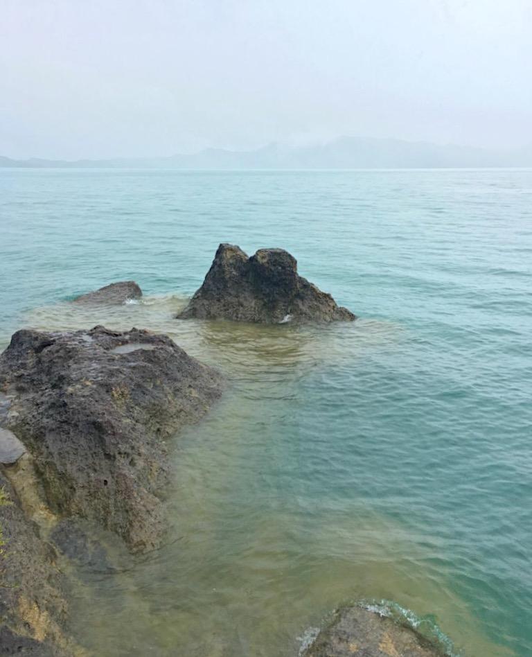 緑色の田沢湖