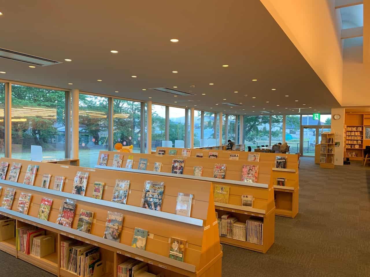 安曇野市立中央図書館