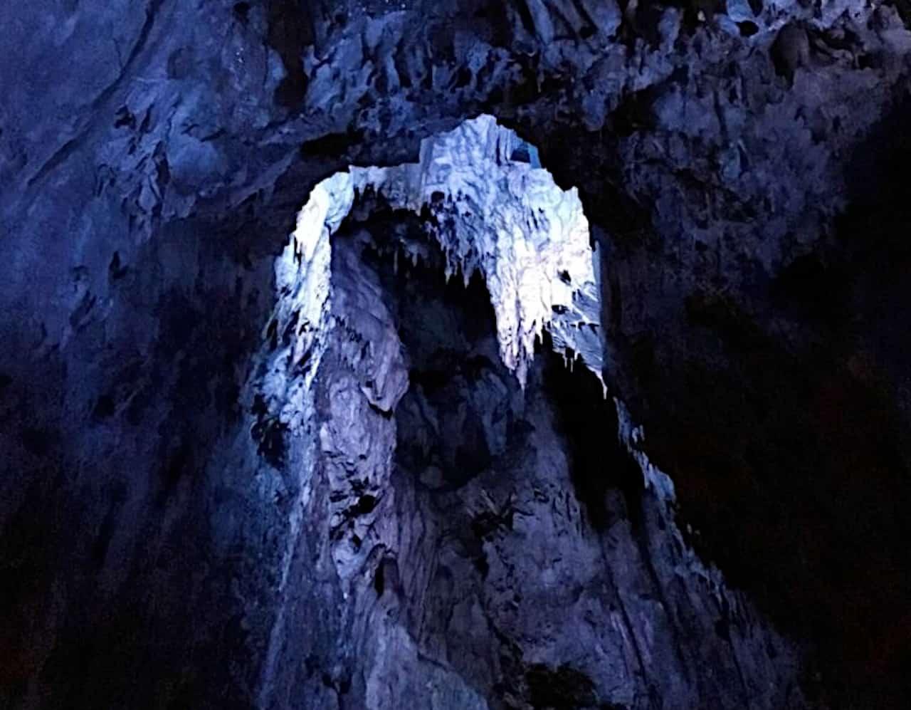 龍泉洞の洞窟の中