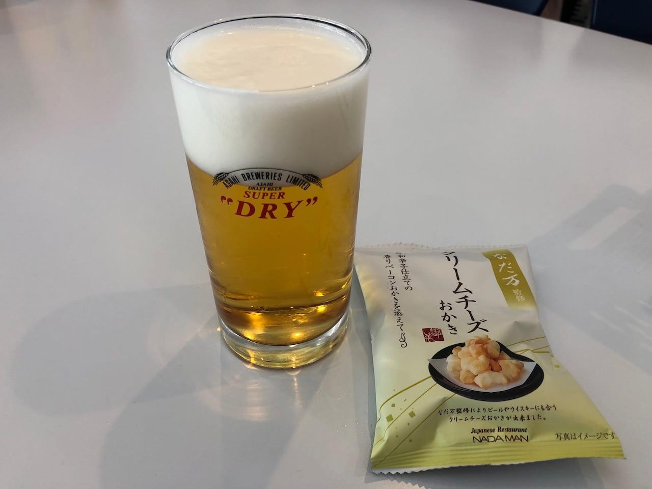 ビールやソフトドリンクの試飲