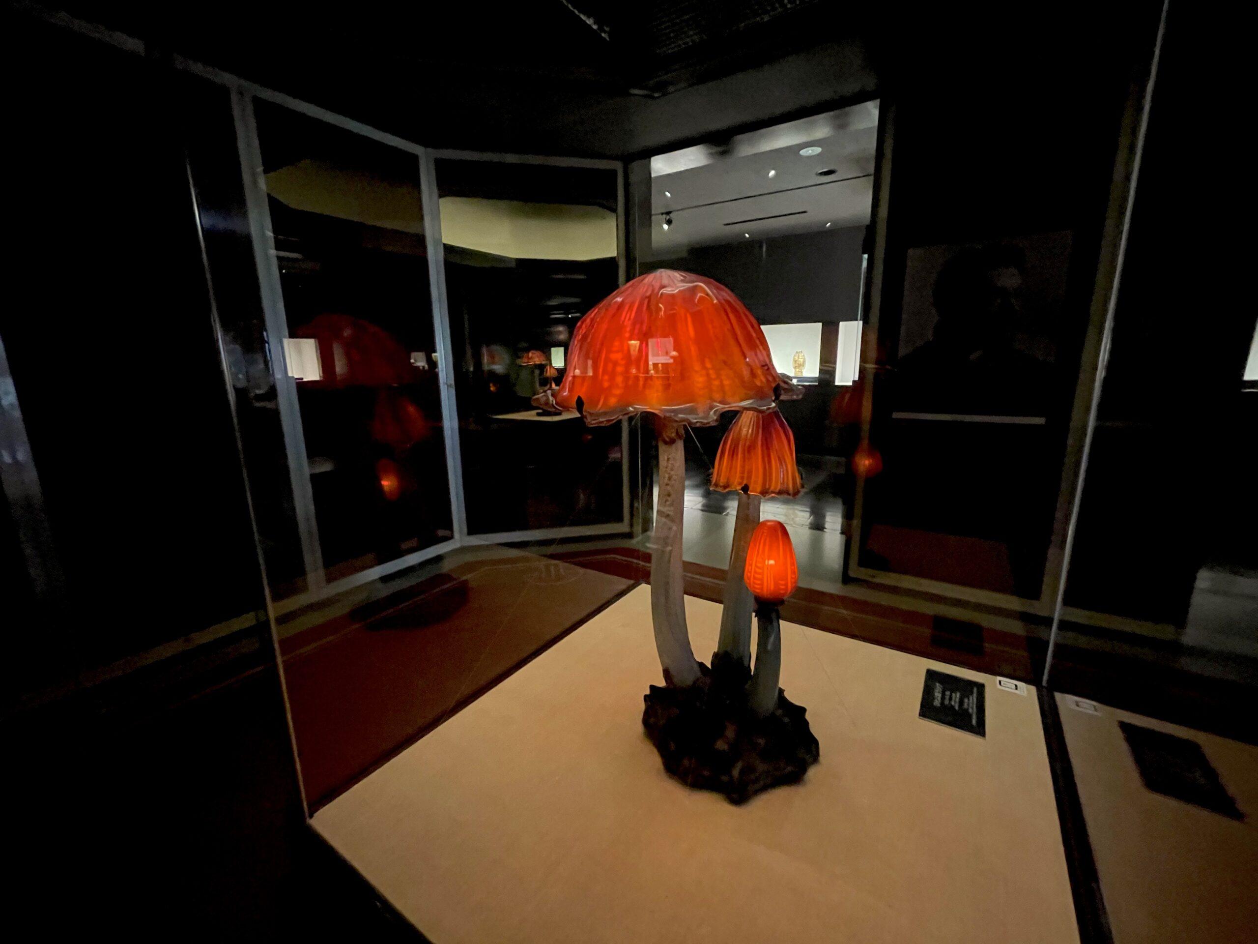 エミール・ガレ「ひとよ茸ランプ」(北澤美術館所蔵)